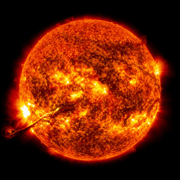 image-of-sun-surface-with-solarflares.png
